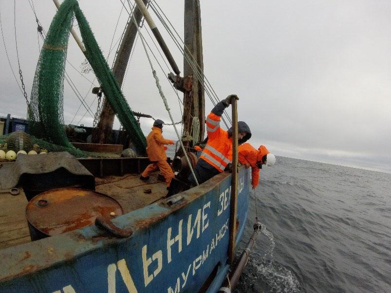 Буксировка нейстонной сети на циркуляции судна