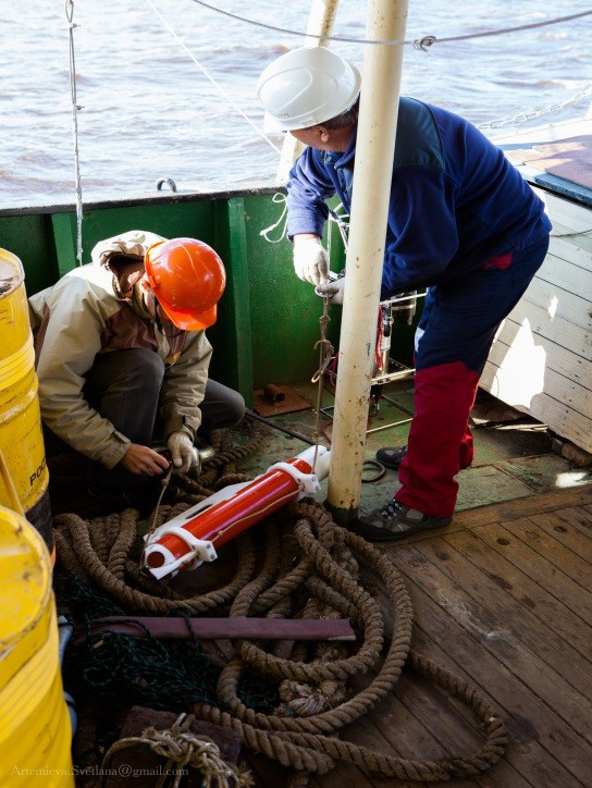 Работа с ADCP зондом на палубе НИС «Картеш»